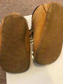 Timberland boots and hat - unisex