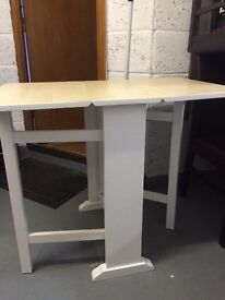 Foldable breakfast table for 4pax