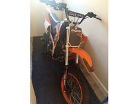 Akuma 125 pit bike