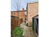 4 Bed House with Garden
