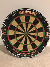 Winmau Blade 3 dartboard