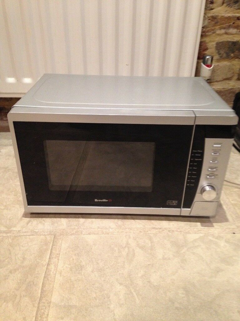 Breville 800W microwave