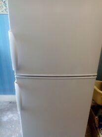 Lec T5576W 55cm Fridge Freezer