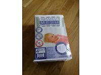 Air Wrap Mesh from the Linen Company in excellent condition