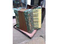 Alvari vintage accordian
