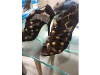 "SIZE 4 BRAND NEW 4.5"" HEEL BROWN SHOES"