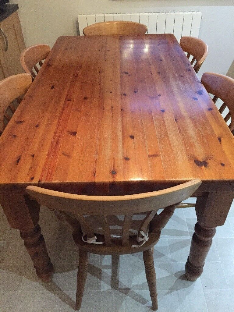 Solid pine kitchen table and 6 chairs Antique pine colour . In vgc. - Solid Pine Kitchen Table And 6 Chairs Antique Pine Colour . In Vgc