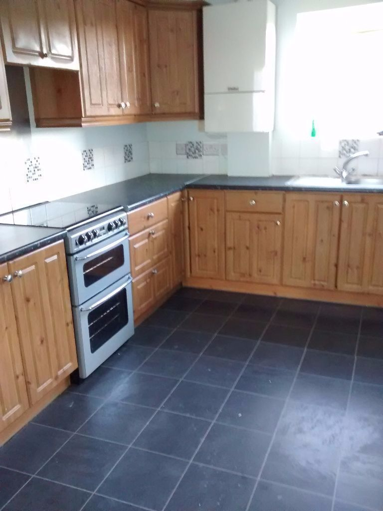 LARGE 3 BED HOUSE TO RENT IN DAGENHAM.