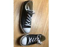 Black and white converse size;uk 5