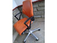 RETRO STYLE OFFICE / DESK CHAIR ORANGE AND BLACK ONLY £30 FOR QUICK SALE