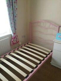 pink metal bed single bed frame, very good condition