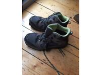 Kids walking boots size 3