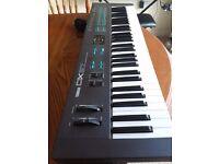 Yamaha DX27 - 80s Synth.