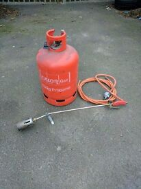 Wanted - Roofers gas torch with bottle + torch on capsheet / felt
