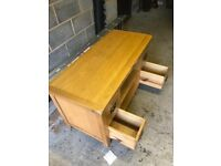 Television unit with 2 drawers either side