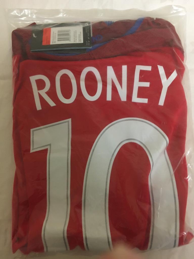 Mans England shirt