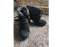 Black faux suede heeled boots with fur size 5