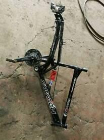 Saracen double suspension frame suntour forks 24 wheels