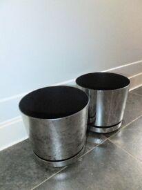 2 x Modern Silver Coloured Decorative Plastic Plant Pots