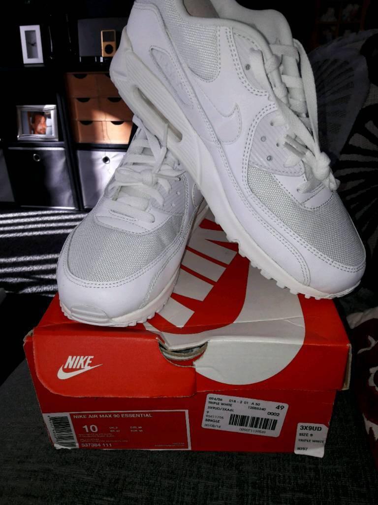 sale retailer 83c60 158bf Nike Air Max 90 Essential Triple White