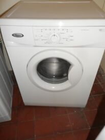 """""""Whirlpool""""Washing machine.. 5kg..Spin-1200...For sale..Can be delivered"""