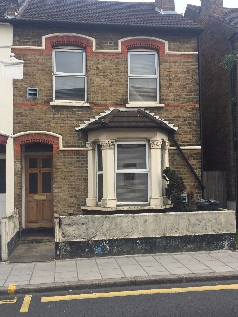 1 Double Bedroom To let - WIFI included!