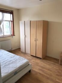 Double room to rent in Mill Hill NW7 2QG