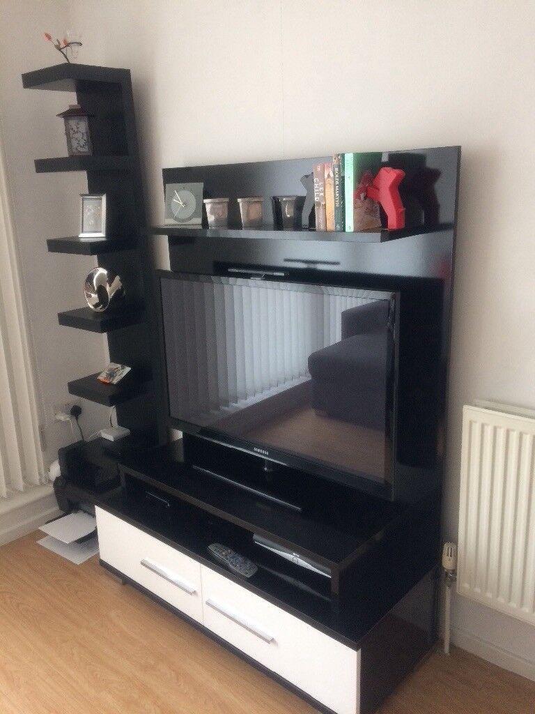 Designer Dogtas Glossy Black White Tv Unit 150 Only
