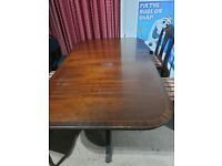 Free extendable table and 10 chairs