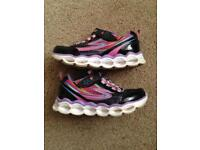 Girls size 11 sketchers with lights