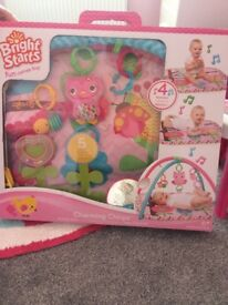 Bright starts baby girl playmat