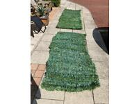 Artificial hedge screen roll