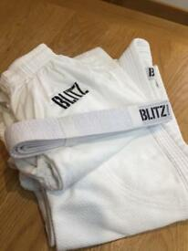 Kids judo / martial arts suit age 10-12