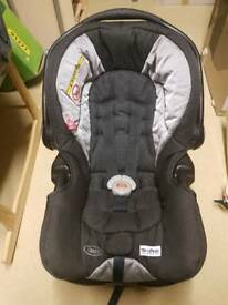 Graco car seat and base, logico s hp, 0-12 months
