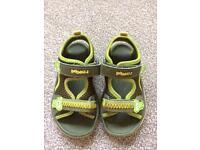 Clarks Doodles sandals size 6.5