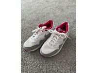 Nike air max 1 essential size 6