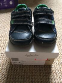 Clarks Child shoe size 5 1/2 Blue