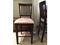 4 matching bar stools
