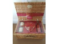 baylis and harding ultimate pampering hamper