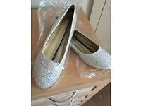 Size 6 BNWT shoes