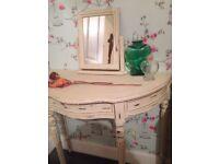 beautiful dressing table, Annie Sloan Old Ochre