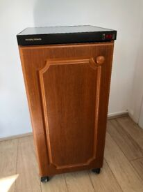 Hostess cabinet, ideal for bbq and keeping food warm