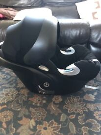 Cybex Q car seat with rain cover and icandy Adapters
