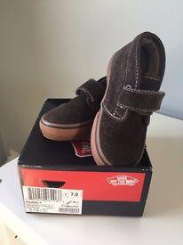 Gorgeous Toddler Vans Shoe - Size 6.5