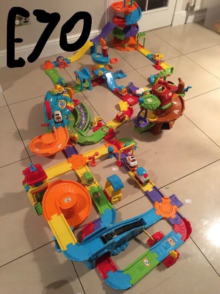 Toot toot bundle 5 sets with over ten vehicles