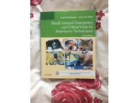 Small animal emergency and critical care book for veterinary technicians