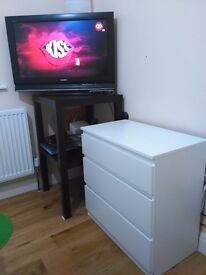Sony TV 32inch + chest of 3 drawers URGENT