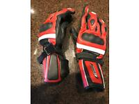 Motor cycle gloves