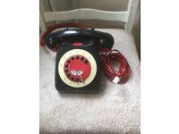 Replica retro style dest top phone