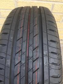 2 BRIDGESTONE tyres